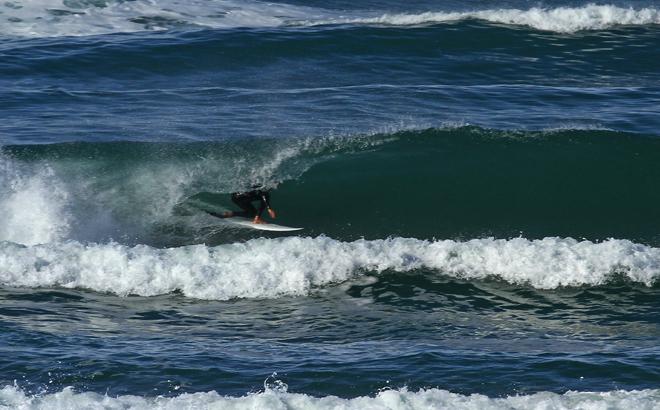 Surfing Necochea